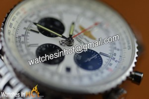 A Stainless Steel Case With A Brushed And Polished Finish in Breitling Navitimer 01 Chronograph Replica Watch - Sporty