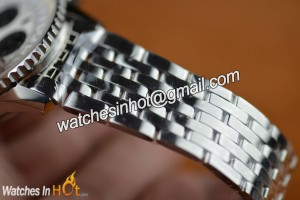 Stainless Steel Bracelet in Breitling Navitimer 01 Chronograph Replica Watch - Sporty