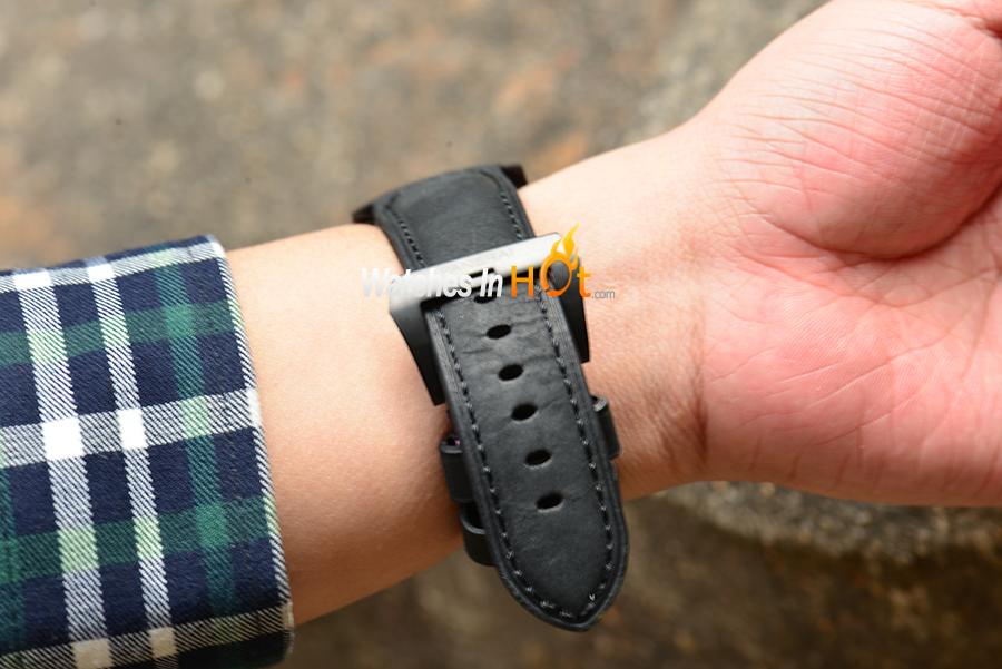 PAM 332 Buckle Wrist